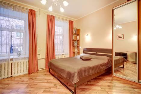 Сдается 1-комнатная квартира посуточно в Санкт-Петербурге, Невский проспект, д.51.