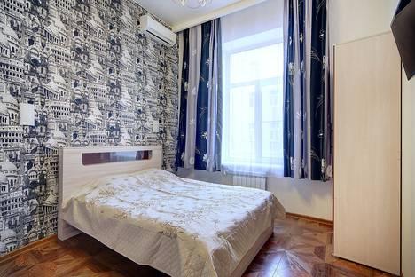 Сдается 2-комнатная квартира посуточнов Санкт-Петербурге, ул. Рубинштейна, д.30.