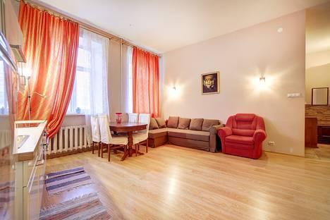 Сдается 2-комнатная квартира посуточнов Санкт-Петербурге, Владимирский проспект, д.11.