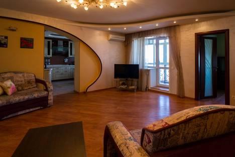 Сдается 5-комнатная квартира посуточно в Перми, ул. Плеханова, 2.