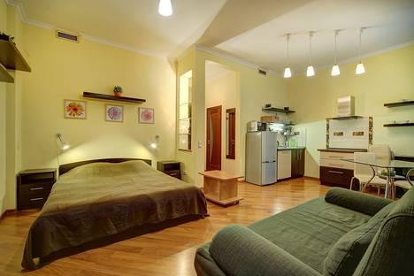 Сдается 1-комнатная квартира посуточно в Санкт-Петербурге, наб.канала Грибоедова, д.27.