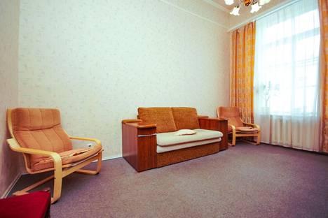 Сдается 2-комнатная квартира посуточно в Санкт-Петербурге, ул. Миллионная, д.4.