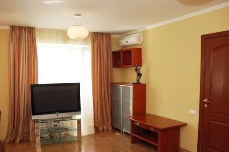 Сдается 2-комнатная квартира посуточно в Донецке, ул. Университетская, 67.