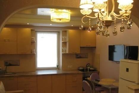 Сдается 1-комнатная квартира посуточно в Донецке, ул. Университетская, 1.