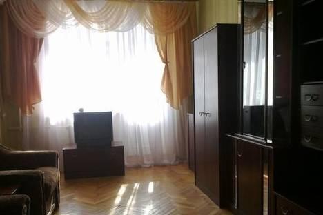 Сдается 1-комнатная квартира посуточно в Феодосии, ул. Назукина, 2.