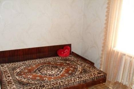 Сдается 2-комнатная квартира посуточно в Бердянске, ул. Розы Люксембург, 7.