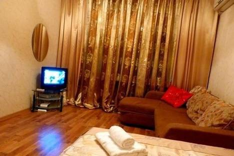 Сдается 2-комнатная квартира посуточно в Киеве, ул. Красноармейская, 80.