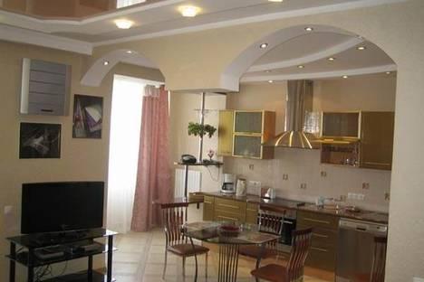 Сдается 2-комнатная квартира посуточно в Киеве, ул. Макеевская, 10а.