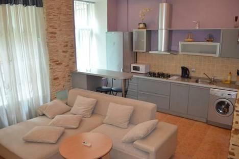 Сдается 1-комнатная квартира посуточно в Киеве, ул. Чапаева, 4б.