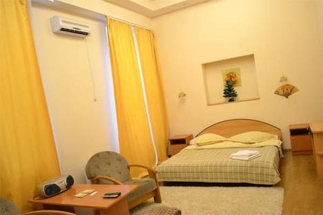 Сдается 1-комнатная квартира посуточно в Киеве, Михайловский переулок, 9а.