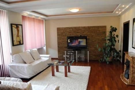 Сдается 2-комнатная квартира посуточно в Киеве, Бульвар Шевченко, дом 2.