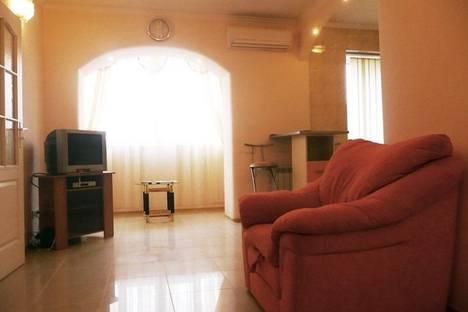 Сдается 2-комнатная квартира посуточно в Киеве, Трехсвятительская 3.