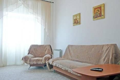 Сдается 2-комнатная квартира посуточно в Киеве, ул. Николая Лысенко, 8.