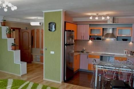 Сдается 2-комнатная квартира посуточно в Каменце-Подольском, ул. Хмельницкое шоссе, 6.