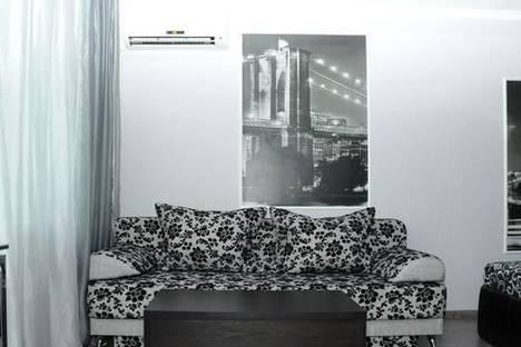 Сдается 1-комнатная квартира посуточно в Донецке, ул. Набережная, 127.