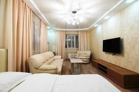 Сдается 1-комнатная квартира посуточно, Сибирская 33а.