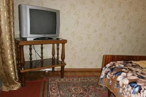 Сдается 2-комнатная квартира посуточно в Бердянске, Энгельса, 41.