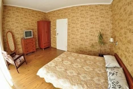 Сдается 2-комнатная квартира посуточно в Ялте, Павленко улица, д. 1, корп. Б.