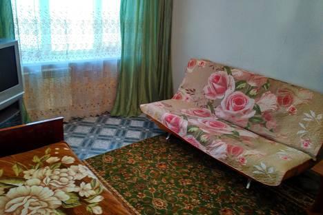 Сдается 1-комнатная квартира посуточнов Сургуте, проезд Дружбы, 13.