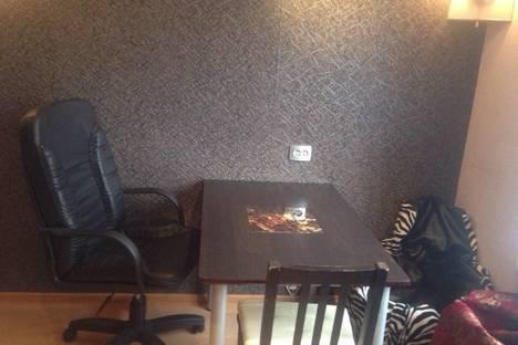 Сдается 1-комнатная квартира посуточнов Екатеринбурге, ул. Луначарского, 40.