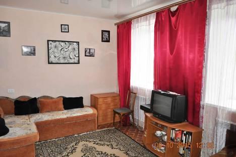 Сдается 2-комнатная квартира посуточнов Выксе, Плеханова улица, д. 1.