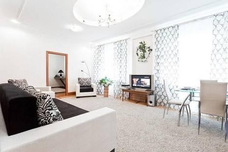 Сдается 4-комнатная квартира посуточно, ул.Карла Маркса, 25.