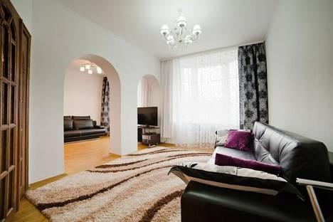 Сдается 3-комнатная квартира посуточно в Минске, ул.Свердлова, 22.