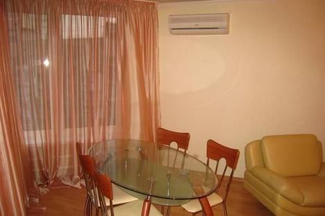 Сдается 1-комнатная квартира посуточно, Ворошиловский проспект, 64.