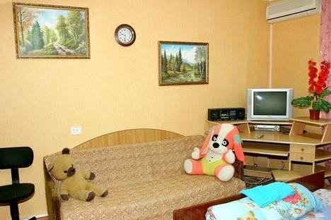 Сдается 2-комнатная квартира посуточнов Волгодонске, бульвар Великой Победы, 7.