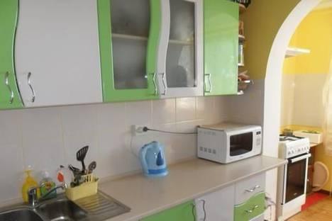 Сдается 3-комнатная квартира посуточно в Алупке, ул. Сурикова, 16.