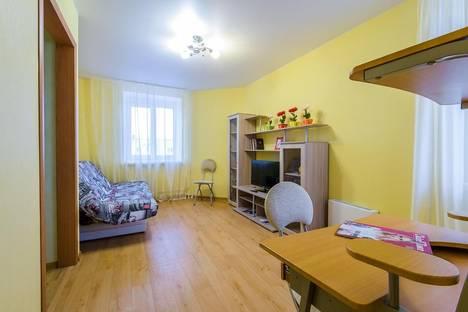 Сдается 2-комнатная квартира посуточно в Кирове, Верхосунская 16.