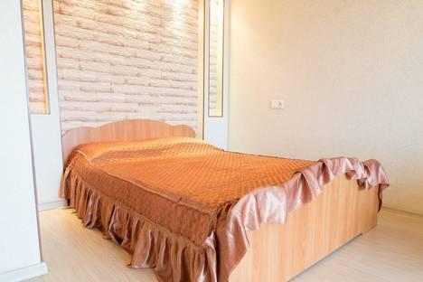 Сдается 1-комнатная квартира посуточно в Кургане, ул. К.Маркса, 76.
