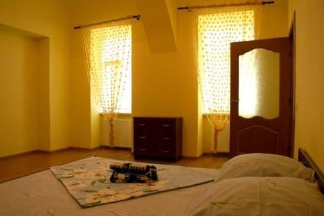 Сдается 2-комнатная квартира посуточно в Ужгороде, пл. Ш.Петефи, д.4.