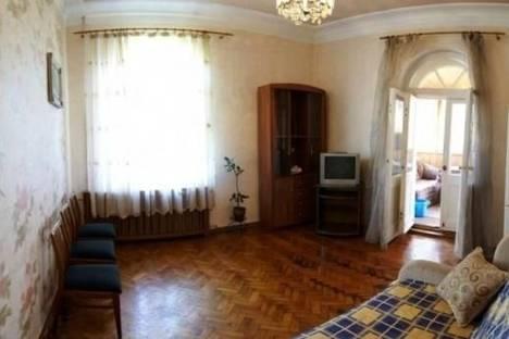 Сдается 3-комнатная квартира посуточно в Севастополе, Ленина улица, д. 34.