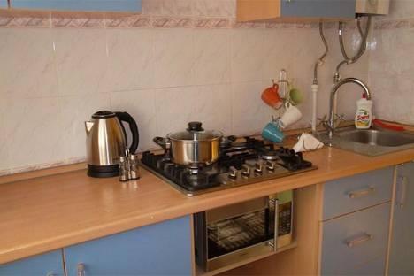 Сдается 1-комнатная квартира посуточно в Таганроге, ул. Петровская, 11.