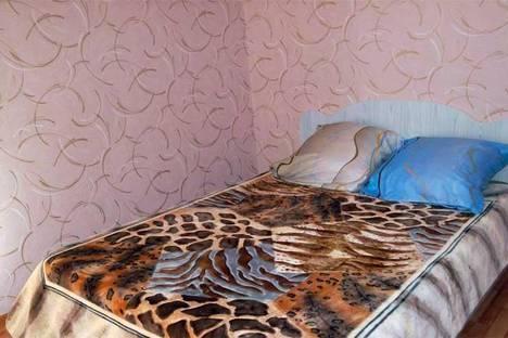 Сдается 2-комнатная квартира посуточно в Таганроге, ул. Комсомольский Спуск, 6.
