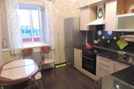 Сдается 1-комнатная квартира посуточно в Сыктывкаре, Маегова 21.