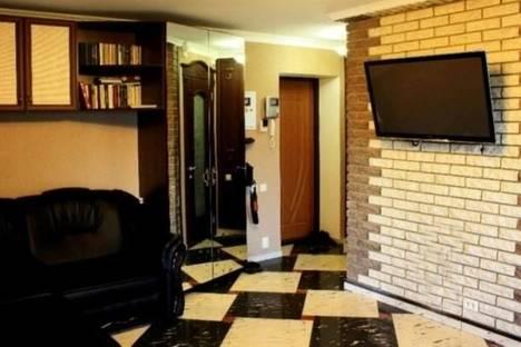 Сдается 2-комнатная квартира посуточно в Николаеве, Шевченко улица, д. 73.