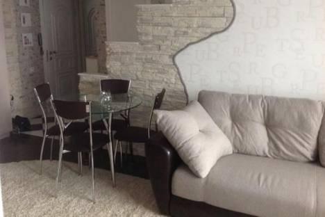 Сдается 3-комнатная квартира посуточнов Сочи, Островского улица, д. 37.