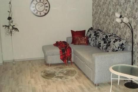 Сдается 2-комнатная квартира посуточно в Петрозаводске, проспект Ленина, 10.