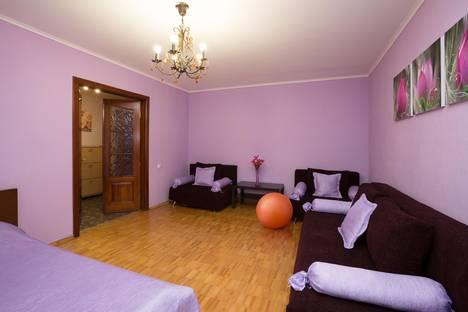 Сдается 2-комнатная квартира посуточнов Екатеринбурге, Красный 4а.