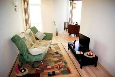 Сдается 2-комнатная квартира посуточнов Екатеринбурге, Кузнечная 79.