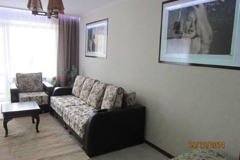 Сдается 2-комнатная квартира посуточно в Рудном, Франко дом 23.