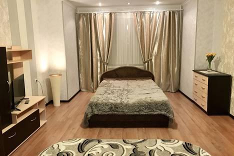 Сдается 1-комнатная квартира посуточно в Сургуте, Профсоюзов 12.