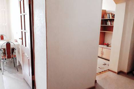 Сдается 1-комнатная квартира посуточно, бульвар 30-летия Победы, 60А.