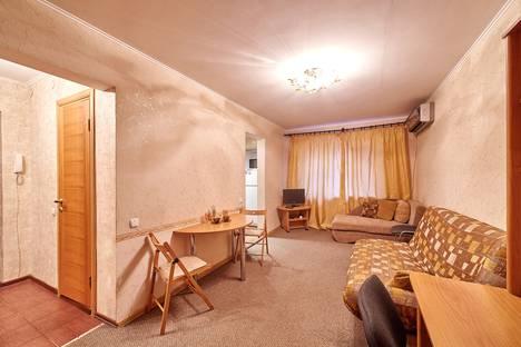 Сдается 2-комнатная квартира посуточно в Ростове-на-Дону, улица Новаторов, 6.