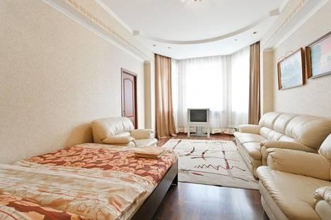 Сдается 4-комнатная квартира посуточно в Минске, ул. Ульяновская, д. 32.