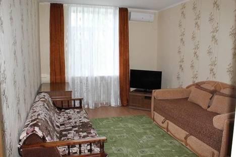 Сдается 2-комнатная квартира посуточно в Евпатории, проспект Ленина, 50.