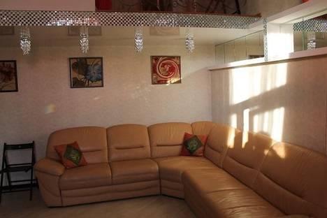 Сдается 3-комнатная квартира посуточно в Евпатории, ул. Шевченко, 37.