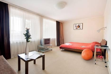 Сдается 1-комнатная квартира посуточнов Екатеринбурге, Луначарского 180.